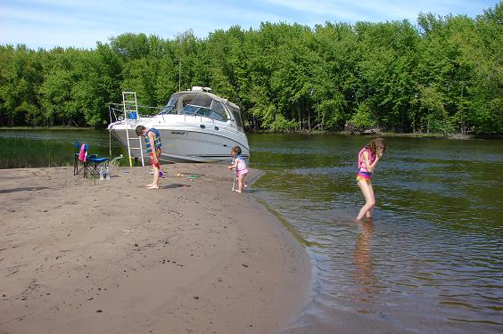 Boating on lake winnebago fox river and wolf river of for Wolf river fremont fishing report